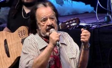 Gran alivio para el folklore le dieron el alta a Horacio Guarany