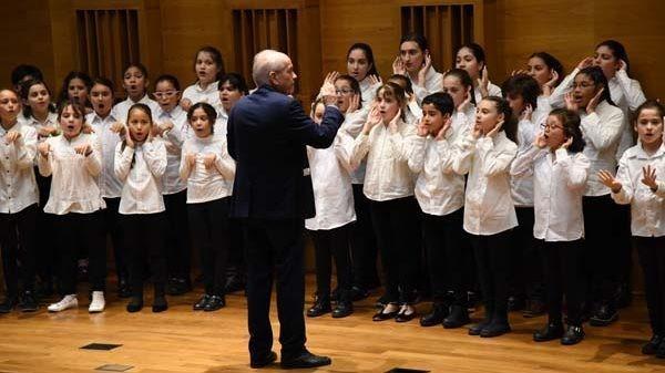 Escuela de Canto Coral - Muestra a libro abierto
