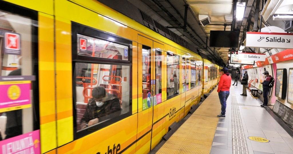Las 6 líneas de subtes y el Premetro paran hoy entre las 20 horas y el cierre del servicio