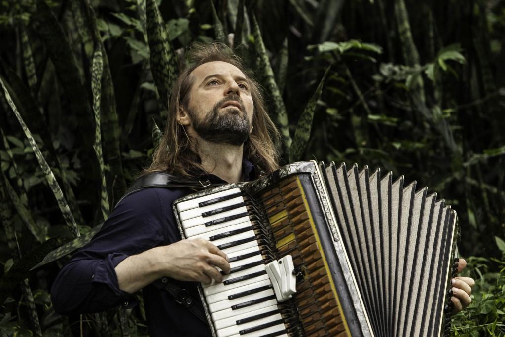 """Chango Spasiuk estrena el formato """"Música & Palabras"""""""