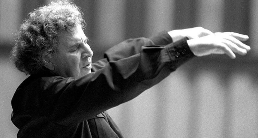 """Murió a los 96 años Mikis Theodorakis, el célebre compositor de """"Zorba el griego"""""""