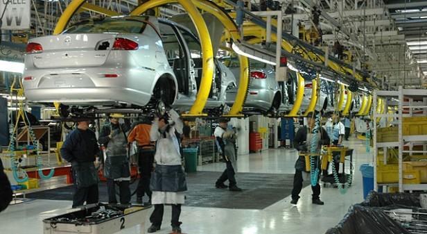 La actividad industrial volvió a crecer en agosto