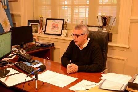 Julio Zamora La carta de presentación de Szpolski es haber sido expulsado de la AMIA por mal manejo de fondos