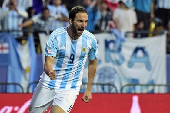 Martino dio la lista para jugar ante Brasil y Colombia con Higuaín y sin Messi ni Agüero