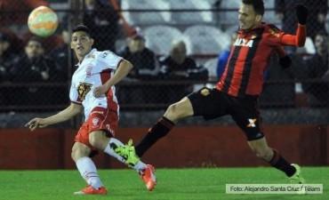 Huracán goleó a Sport Recife y se metió de lleno en cuartos