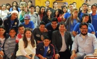 Estudiantes de Tigre viajaron por primera vez en avión
