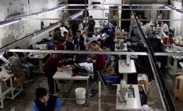 La AFIP desbarató talleres clandestinos en Capital y Córdoba que realizaban prendas para marcas reconocidas