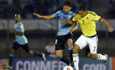 Uruguay, de gran partido,derrotó a una Colombia desconocida