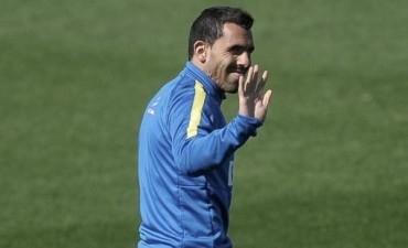 Tevez descansó tras su paso por la Selección pero será titular ante Racing