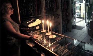 Unos 5 mil usuarios siguen sin energía eléctrica en el barrio de Recoleta