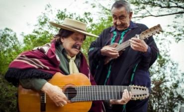 Jaime Torres y Ramón Ayala de la Quiaca al Litoral hermanados por la identidad y la canción