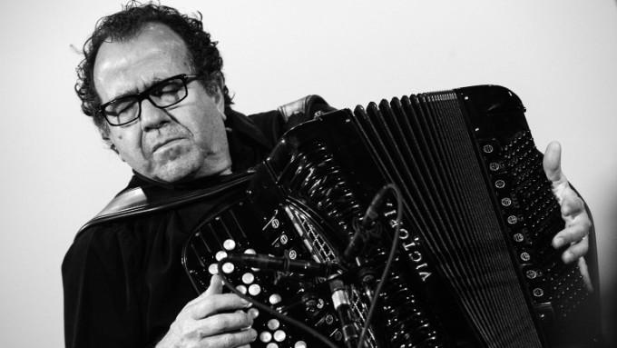 """Richard Galliano: """"Mi música es cruzar fronteras"""""""