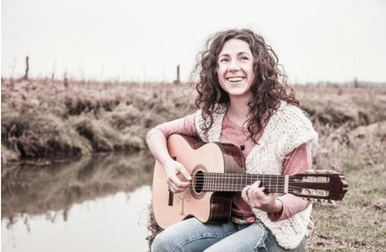 """Paulina Torres lanzo este viernes junto a su padre un disco en homenaje a """"Cuchi"""" Leguizamón"""