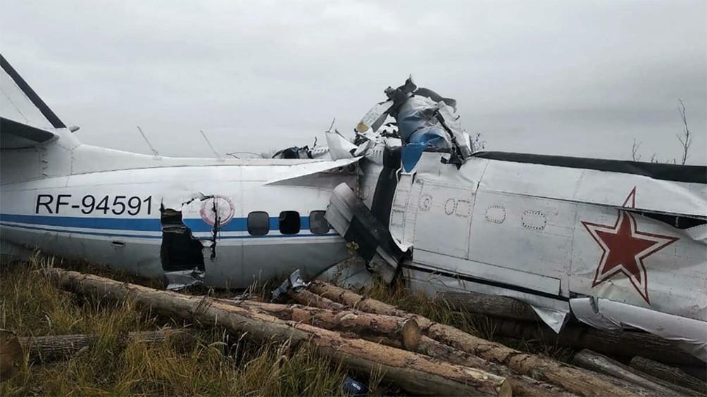 Murieron 16 personas al estrellarse un avión en Rusia