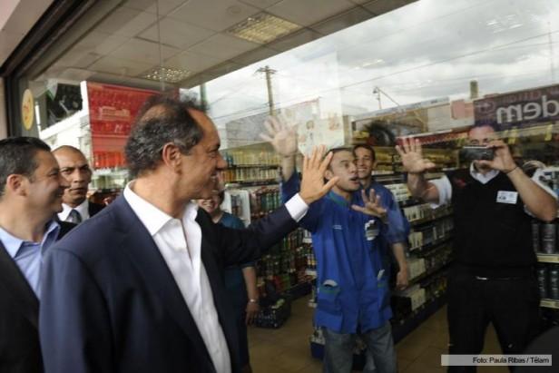 Las adhesiones a mi candidatura no son por el miedo sino por memoria afirmó Scioli