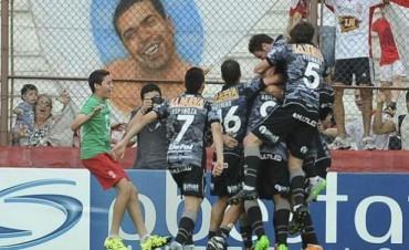 Huracán empató con Belgrano y se queda en la máxima categoría