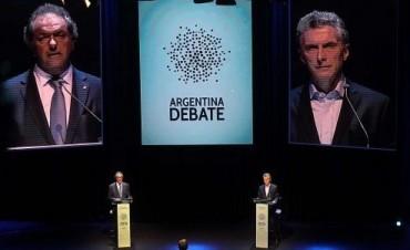 Scioli y Macri cerraron un histórico debate presidencial