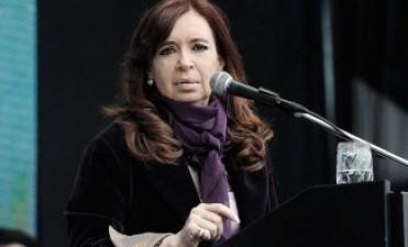 """Cristina cuestionó el """"allanamiento preelectoral"""" en el BCRA y expresó su"""