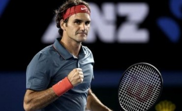 Roger Federer le ganó a Nishikori y se aseguró el primer lugar de su grupo