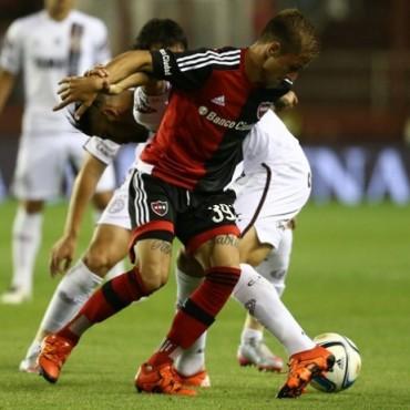 Lanús le ganó a Newell's y sigue en camino a la Sudamericana