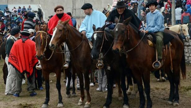 Festival de doma y folklore en San Martín de los Andes