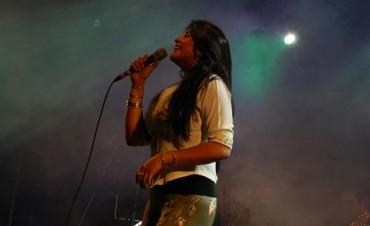 Paola Arias firmará autografos en Tucumán