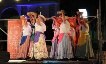 Folclore del mejor con Carlos Paz Canta y Baila
