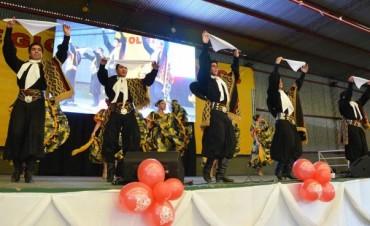 Los abuelos de Tigre cerraron el año con una gran peña folklorica en El Talar