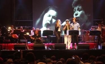 Más de diez mil personas disfrutaron con Soledad en el Complejo Cultural La Trocha