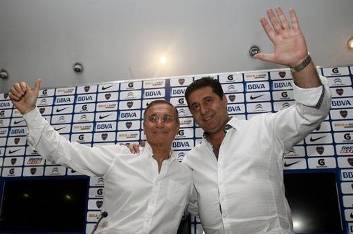 Angelici obtuvo el 43,78 % de los votos en su reelección como presidente de Boca