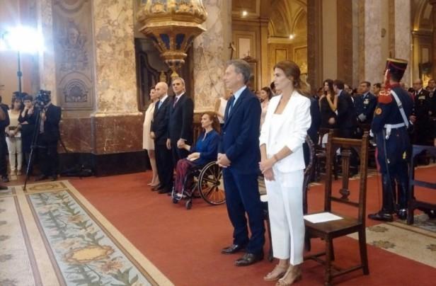 Macri, acompañado por todo su Gabinete, participó de un oficio religioso en la Catedral