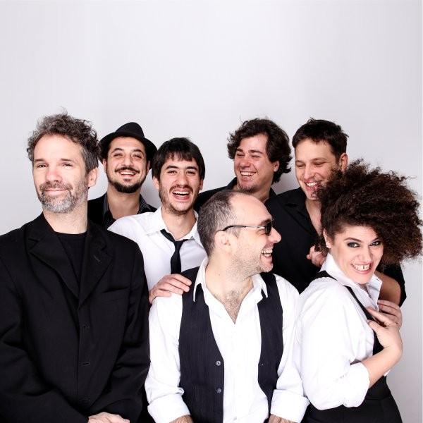 Pedro Laurenz es el centro del nuevo disco de Percal Tango