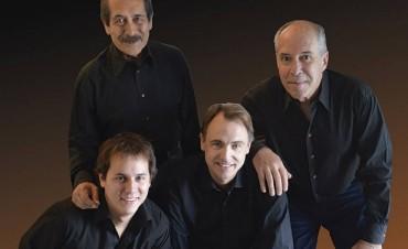 El tradicional conjunto vocal Opus Cuatro cierra el año con tres shows en Buenos Aires