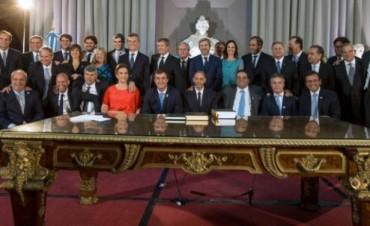 Oficializaron a los nuevos ministros y la creación de carteras y secretarías