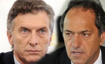 Macri y Scioli se reunieron en la Rosada y trazaron una agenda en común