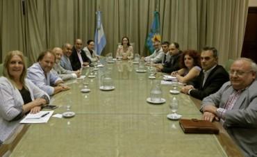 ATE resalta diálogo con Vidal pero pide hablar de