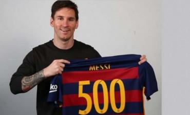 Lionel Messi cumple hoy 500 partidos con la camiseta del Barcelona