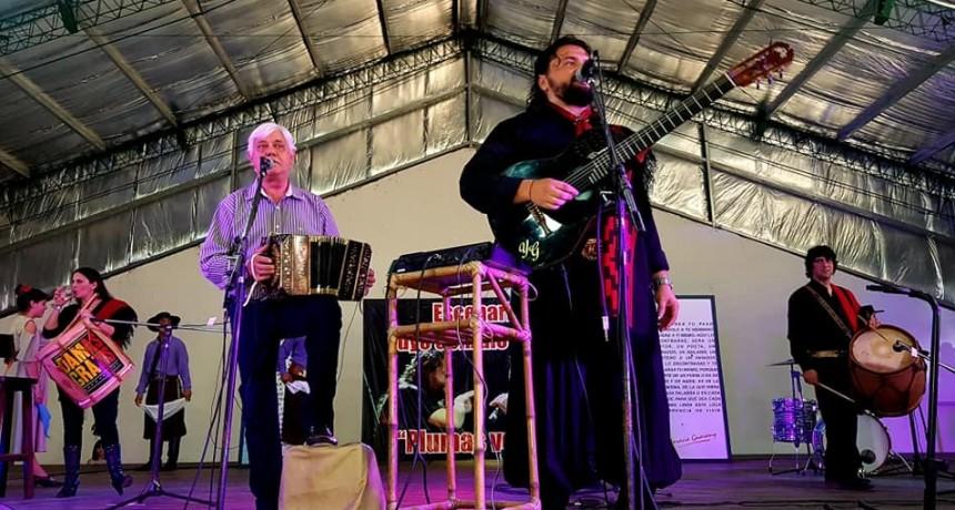 """Yuyo Gonzalo presento su nuevo disco """"Recital al Amigo"""" en el Teatro Criollo Horacio Guarany"""